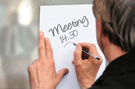 meeting-552410_1920.jpg